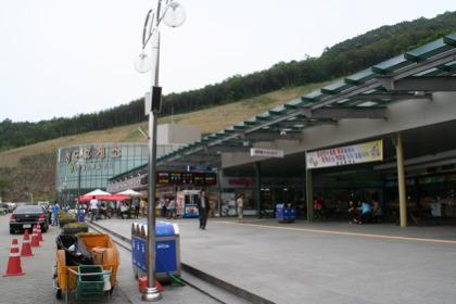 韓国のパーキングエリア