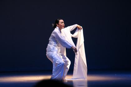 韓国・ドサルプリの踊り