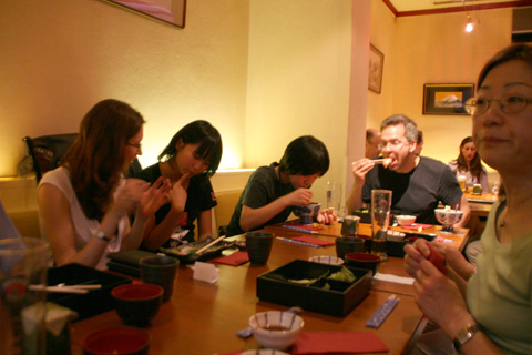 日本食レストランで