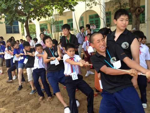 ベトナムツアー(小学校訪問)